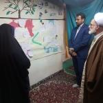 آیت الله دری نماینده ولی فقیه در استان مرکزی از نمایشگاه مدرسه انقلاب دیدار کرد